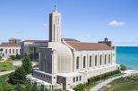 Loyola (2)